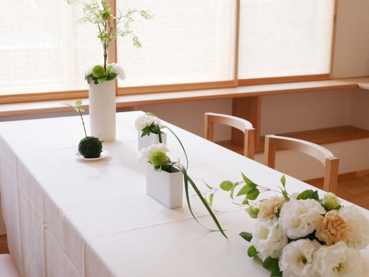 卓上を彩る装花